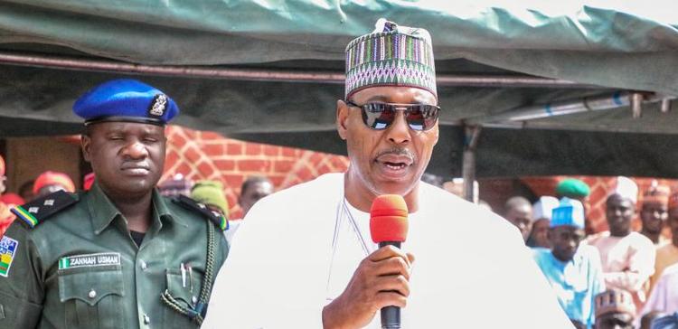 Gwamna Zulum ya kai ziyarar ba zata kananan hukumomin Borno saidai ya iske shuwagabannin kananan hukumomin basa bakin aiki