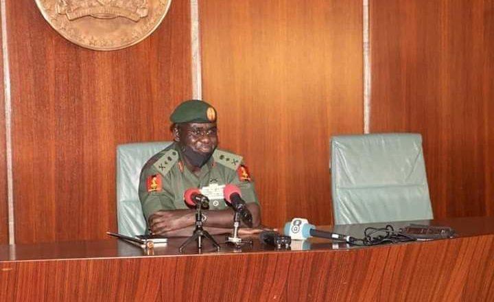 Yayin da nake fagen yaki da Boko Haram, Sojoji da yawa a shirye suke su bada ransu akaina>>Janar Buratai