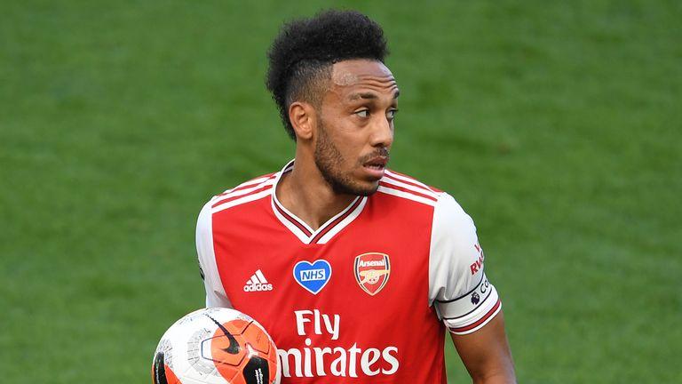 Aubameyang ya ciwa Arsenal kwallaye 50 inda ya karya tarihin da Henry ya kafa