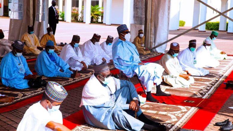 A karin farko shugaba Buhari bai yi Sallah a gida ba, Daurawa sunce sun yi rashinshi