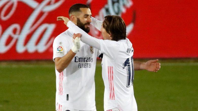 Zidane yaji dadin lallasa kungiyar Alaces daci 4-1 da Madrid tayi duk da cewa bai jagoranci wasan ba sakamakon cutar sarkewar numfashi